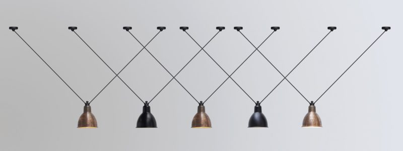 L'illuminazione Lampe Gras è in show-room